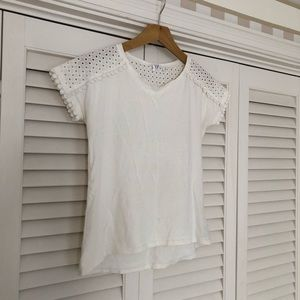 Beautiful GAP eyelet and lace detailed top